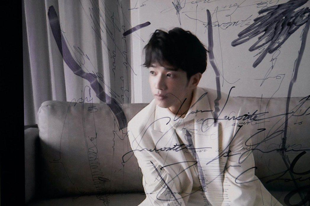 劉以豪發表首張EP「U」。圖/何樂音樂提供