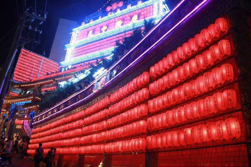 傳承166年基隆中元祭今晚點燈,明開鬼門老大公廟人流管制。圖/基隆市政府提供