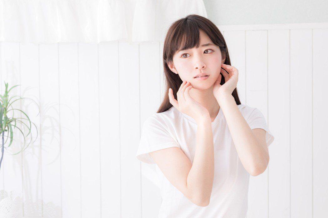 日本皮膚科醫師,教如何抗老。圖/摘自pakutaso