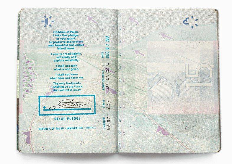 「帛琉誓詞」被列為入境帛琉的必要程序之一,旅客必須在簽署後才能入境。 圖/帛琉政...