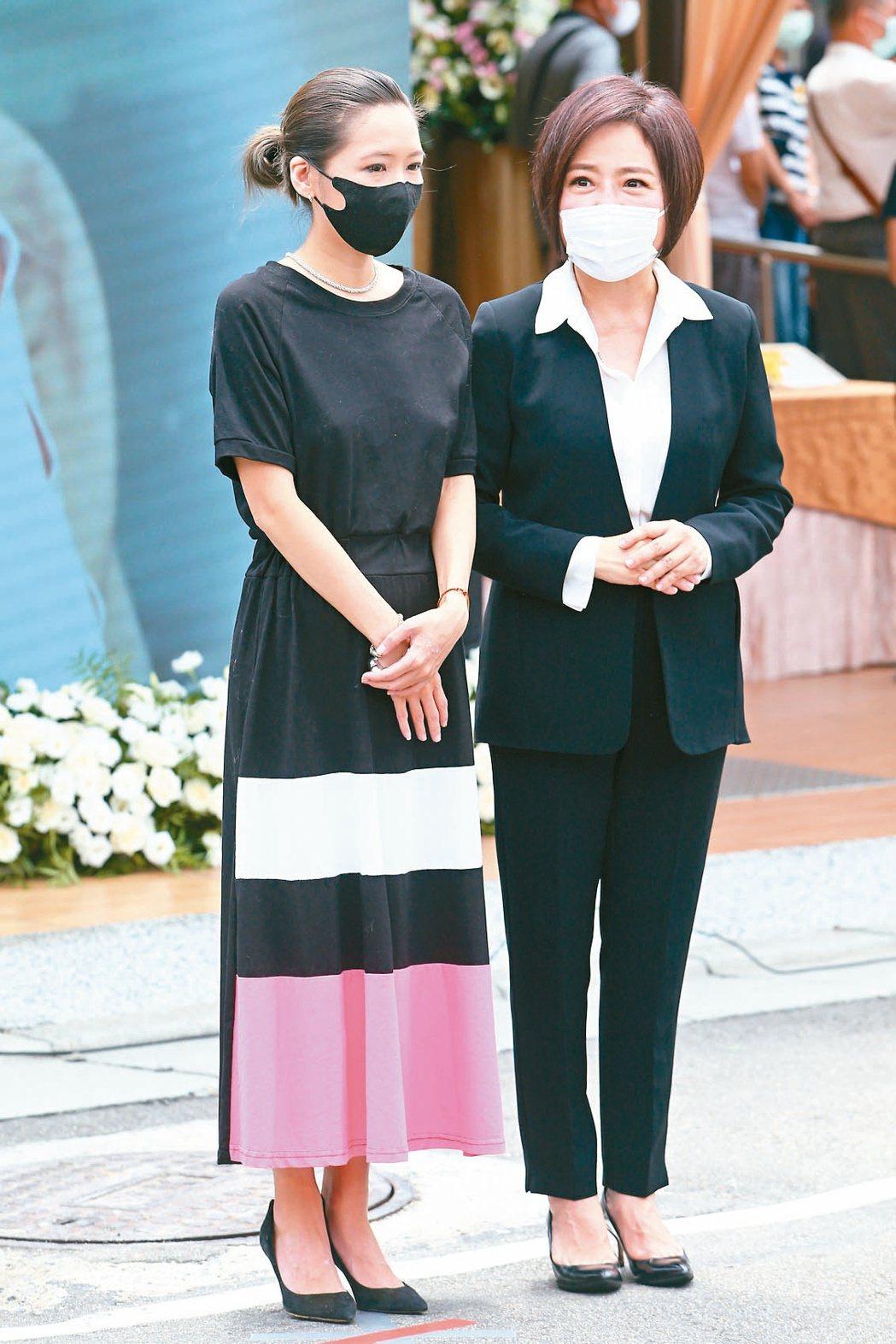 Makiyo(左) 擔任羅霈穎禮儀化妝師,于美人(右)負責籌辦此次後事。記者葉信...