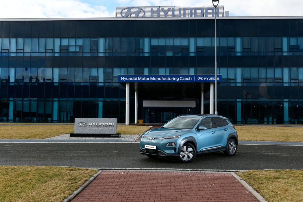 Hyundai Kona Electric自今年三月起也開始在捷克廠生產,以應付...