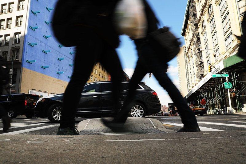 近距離內可步行從事日常所需活動的便利性,是城市「可步行性」的前提之一。 圖/法新社