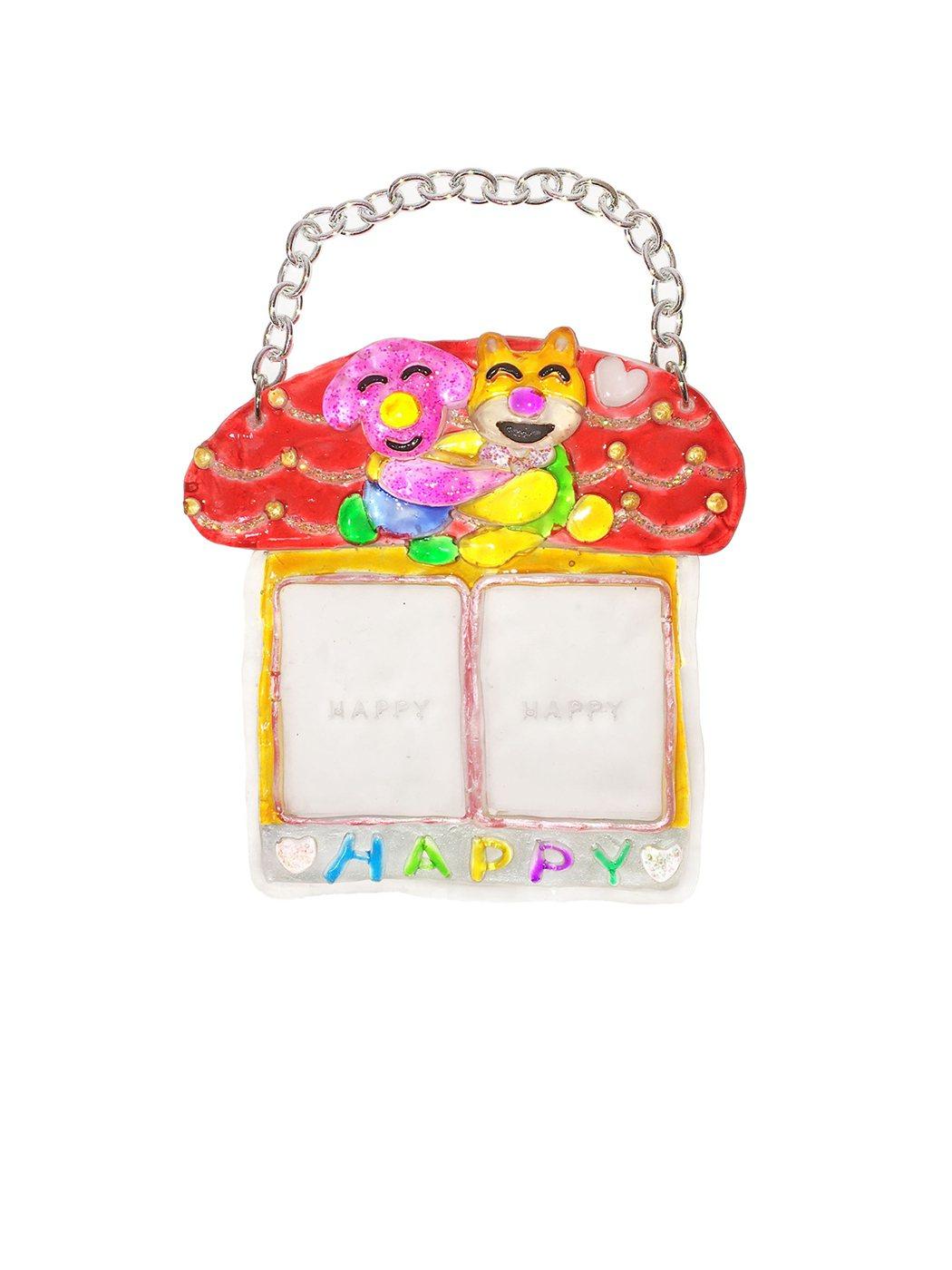 視覺藝術家黃珮瑜以探索幸福與快樂為品牌理念,推出品牌「HAPPY」的經典Phot...