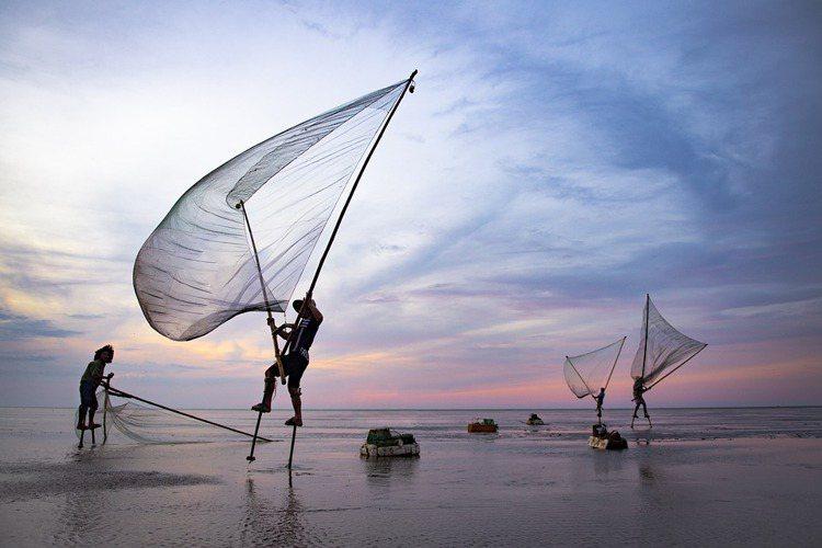 旅遊活動本應是放鬆休閒的行程,但若沒有永續的管理,不只影響當地民眾,勢必也使得旅...