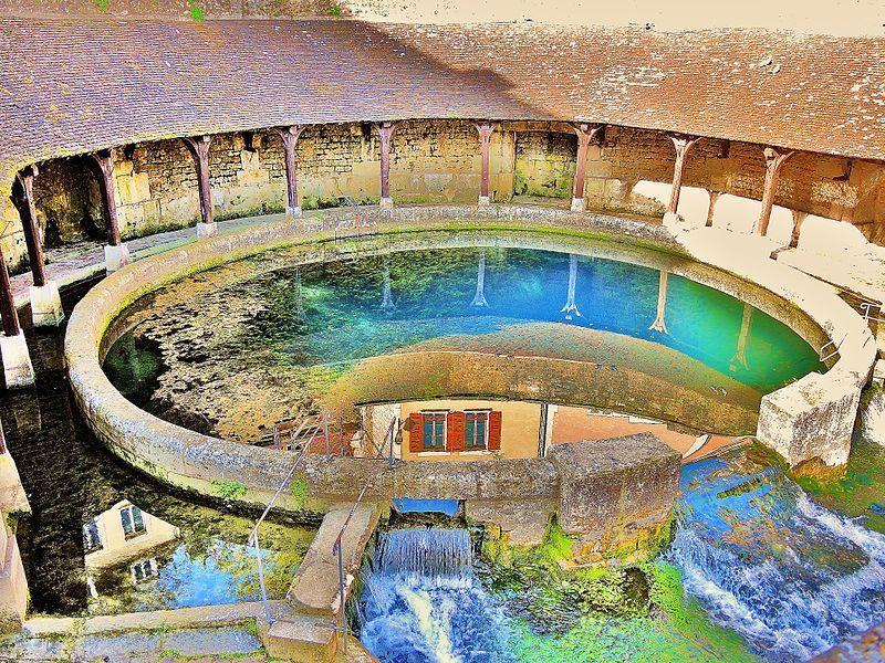 古井有個美麗的名字:Fosse Dionne  / 來源:  wikimedia