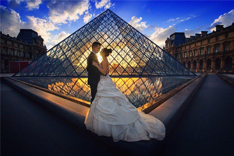 巴黎羅浮宮是熱門婚紗景點  / 來源: MaxPixel