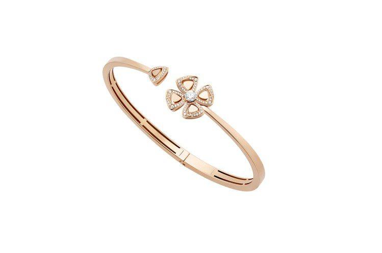 BVLGARI FIOREVER系列玫瑰金鑽石手環,23萬6,500元。圖/寶格...