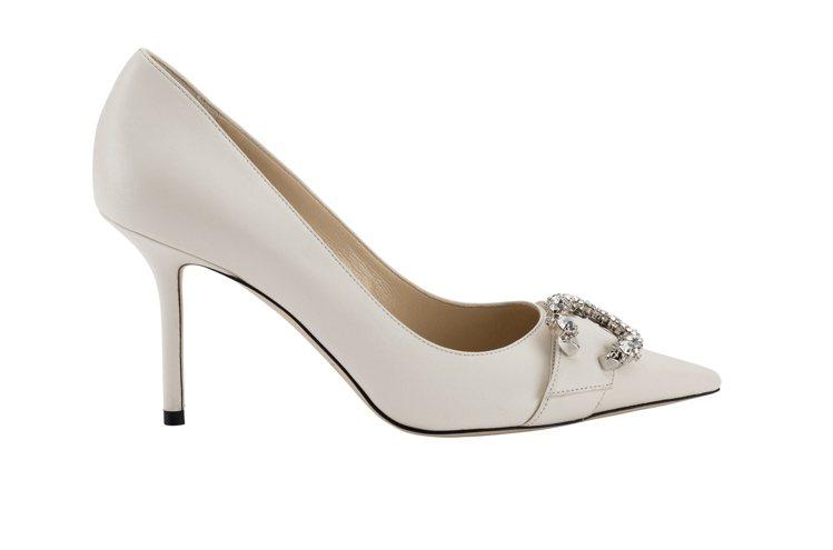 SARESA 85 C字鑽釦皮革高跟鞋,38,800元。圖/Jimmy Choo...