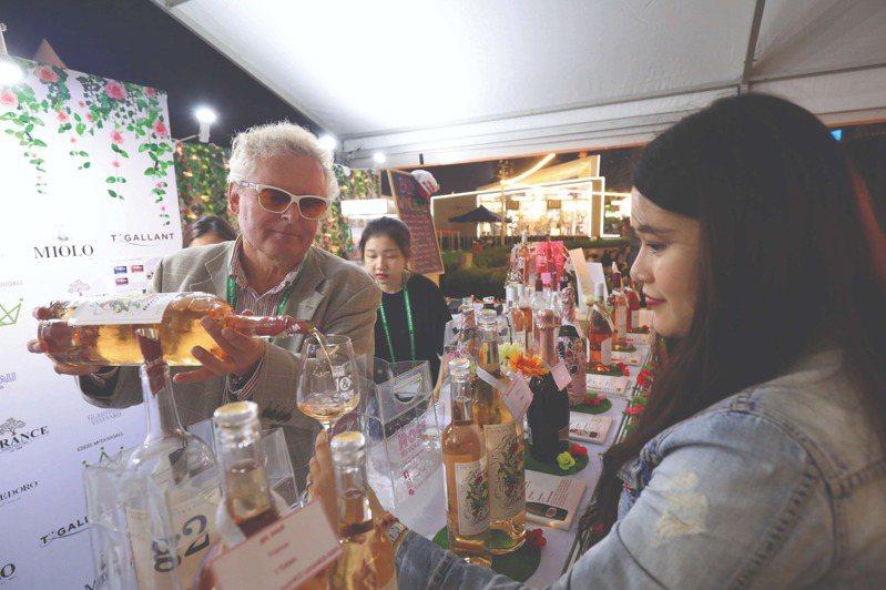 今年香港美酒佳餚節將大部分巡禮活動,集結在一站式平台舉行。圖/香港旅遊發展局提供   ※ 提醒您:禁止酒駕 飲酒過量有礙健康