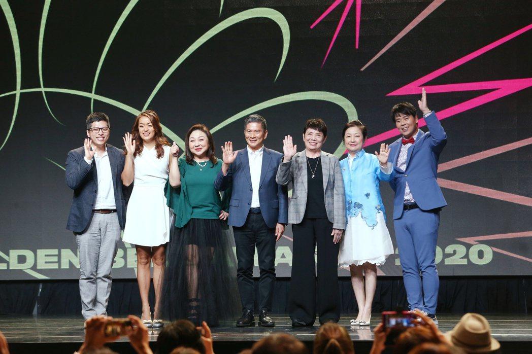 第55屆廣播金鐘獎今公布入圍名單,百靈果NEWS主持人KEN(左起)和凱莉、鄭怡