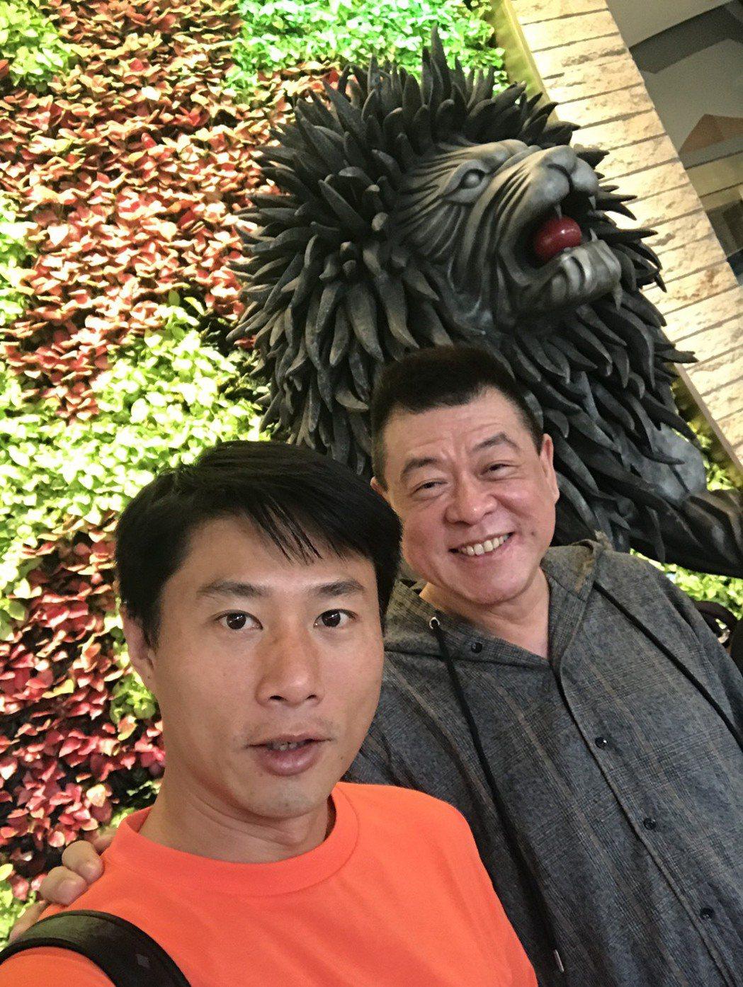 小刀(左)和孫德榮嘗試轉戰網紅界。圖/孫德榮提供