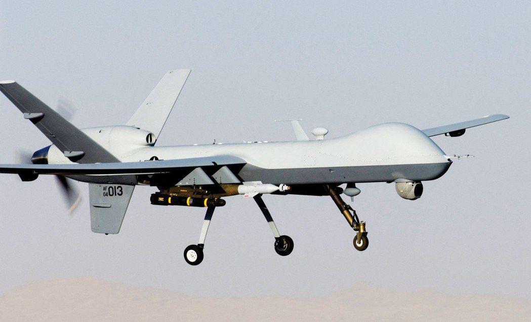 翼下掛載對地武裝的MQ-9無人機。 圖/美國空軍