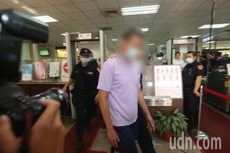 台灣高等法院今天改判弒母斷頭案被告無罪,台灣高檢署今天傍晚指出,承辦檢察官一定會上訴。記者邱德祥/攝影