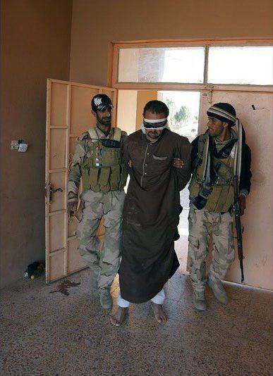 被中東國家逮捕(示意圖)的ISIS成員在美英協調下可望獲得人道審判,若逕付伊拉克法庭則有可能直接被判死刑。(photo by Wikimedia Commons)。