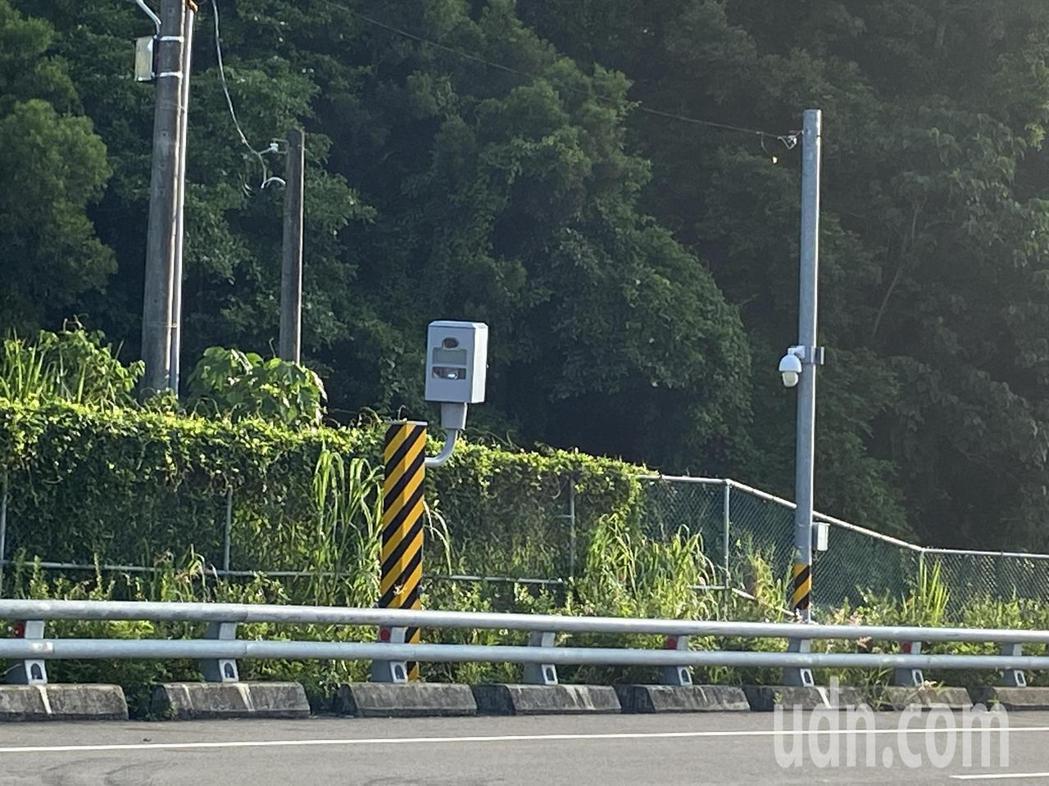 台東省道台9線南迴改公路,427公里測速照相桿的高舉發率,被駕駛稱「南迴殺手」。...