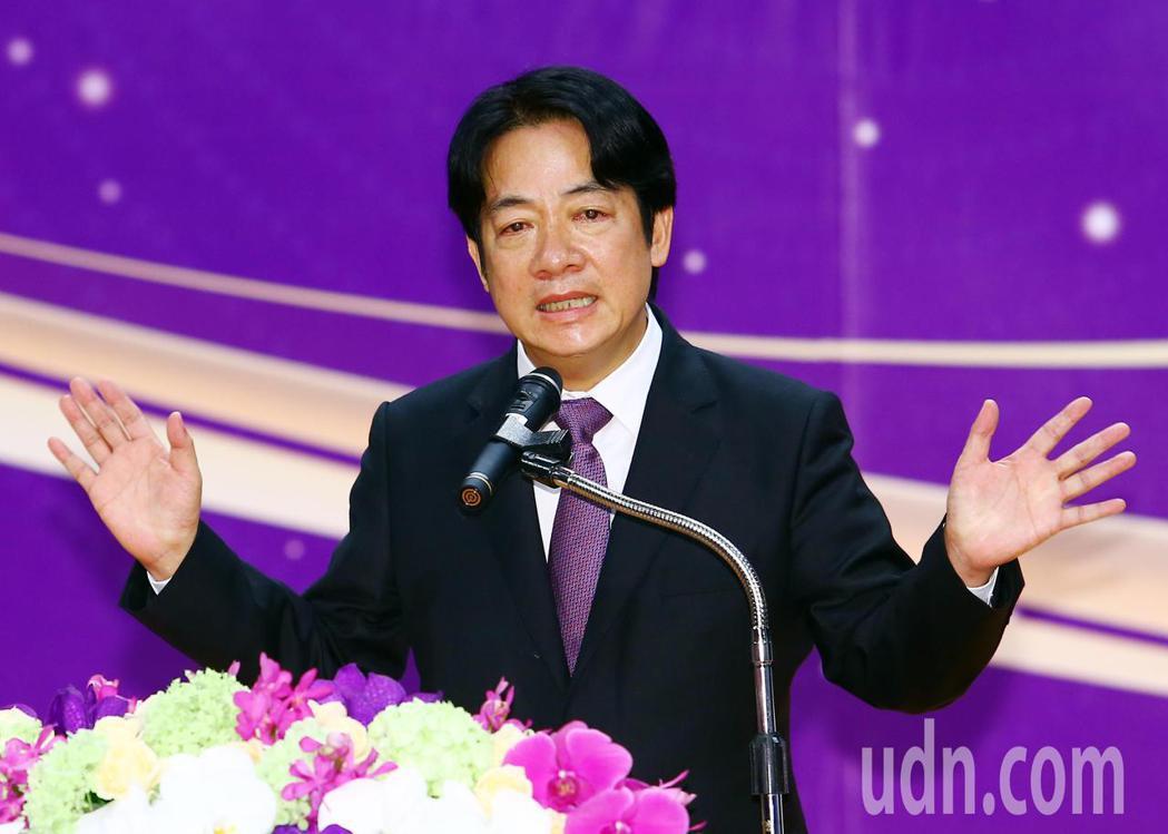 賴清德致詞時表示,台灣防疫有成,防疫五月天固然功不可沒,但是若沒有17萬的醫護人...
