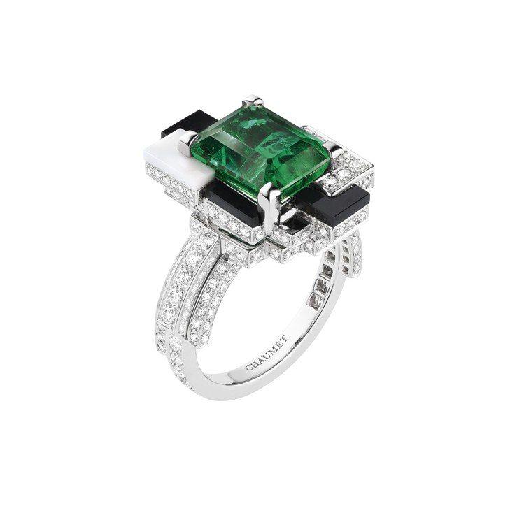 Labyrinthe 18K白金戒指,約600萬元。圖/CHAUMET提供