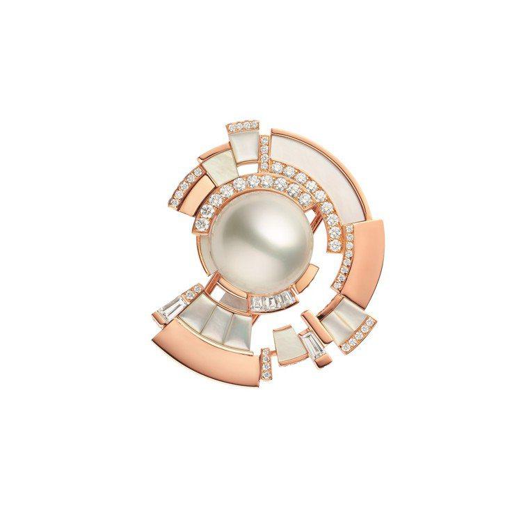 Labyrinthe玫瑰金胸針,約450萬元。圖/CHAUMET提供