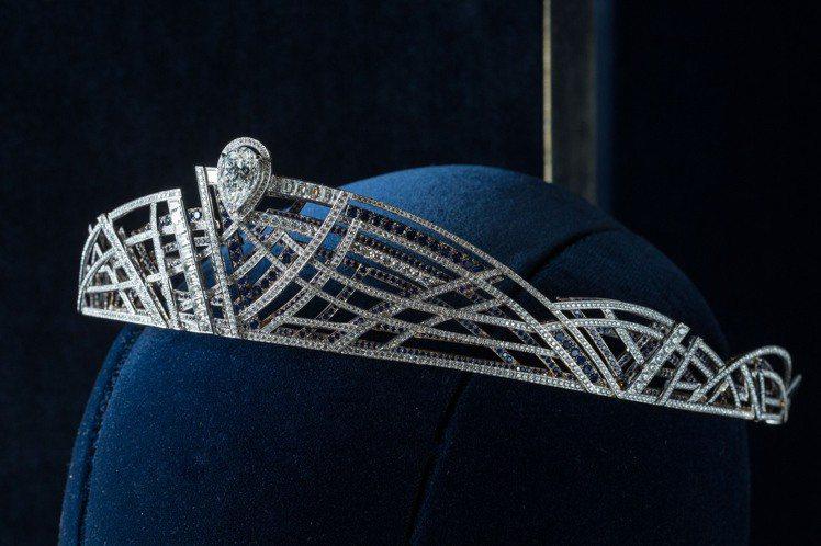 Mirage系列頂級珠寶可轉換式冠冕,約4500萬元。圖/CHAUMET提供