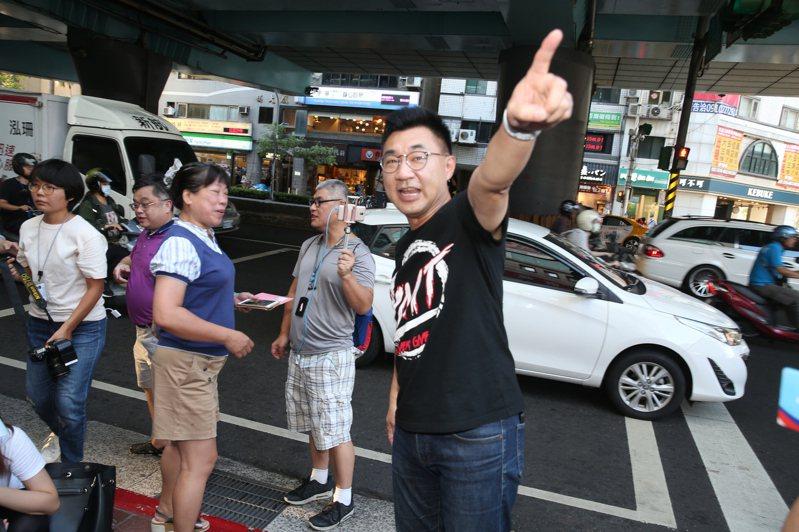 國民黨主席江啟臣下午出席街頭演講與公投連署活動。記者曾吉松/攝影