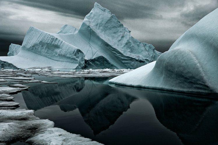 帆船賽中將經過孤寂的南極洲,是人類最後發現的一塊大陸,位於地球最南端,氣候條件嚴...