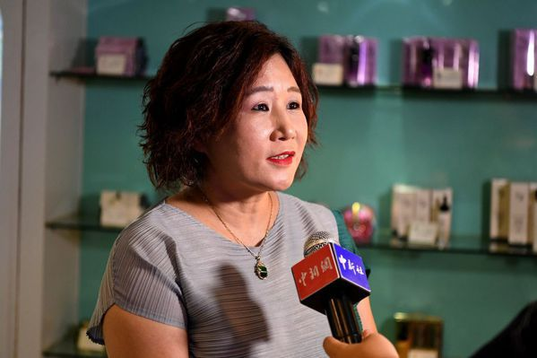 台商彩露華化妝品公司副總經理曾文子跨海創業,注重市場調研、對接客戶,產品從出口轉...