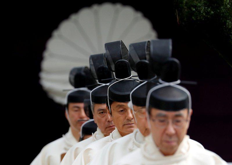 日本神道教教士2017年10月參加靖國神社秋祭。(路透)