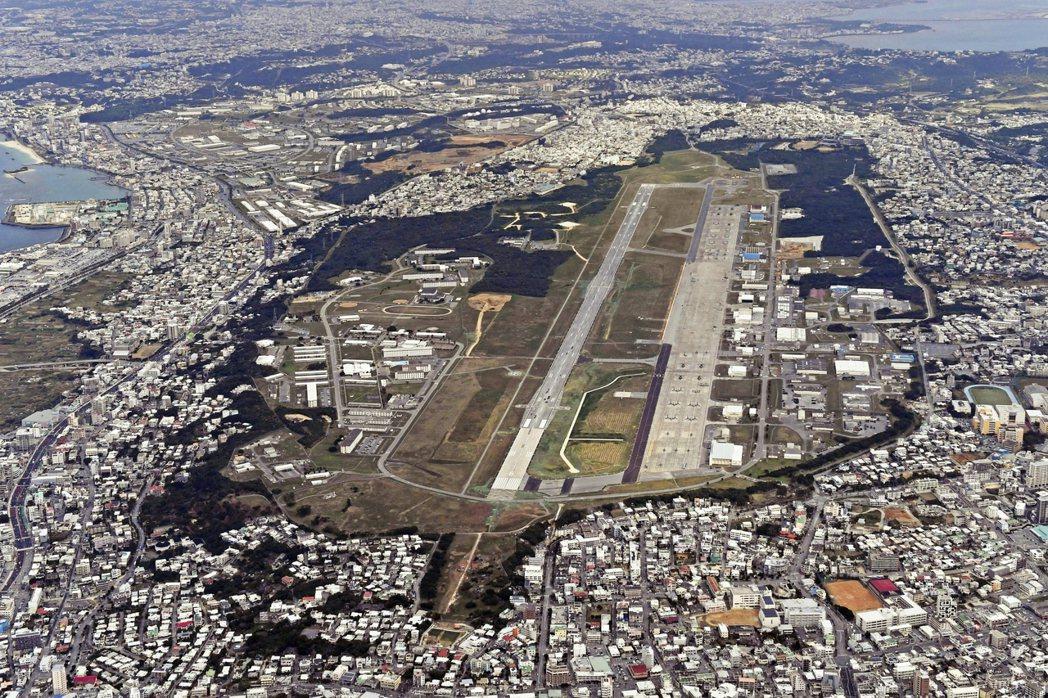 沖繩的普天間基地。在沖繩觀光議題裡,不能忽視的另一個重要課題是美軍基地。 圖/美...