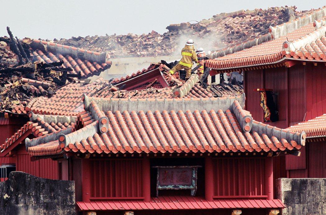 圖為2019年燒毀的沖繩首里城。 圖/歐新社