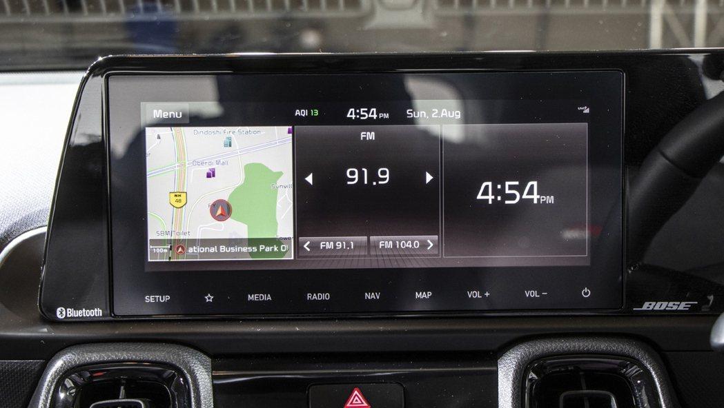 Kia Sonet高階車型搭配10.25吋中控螢幕。 摘自CarWale