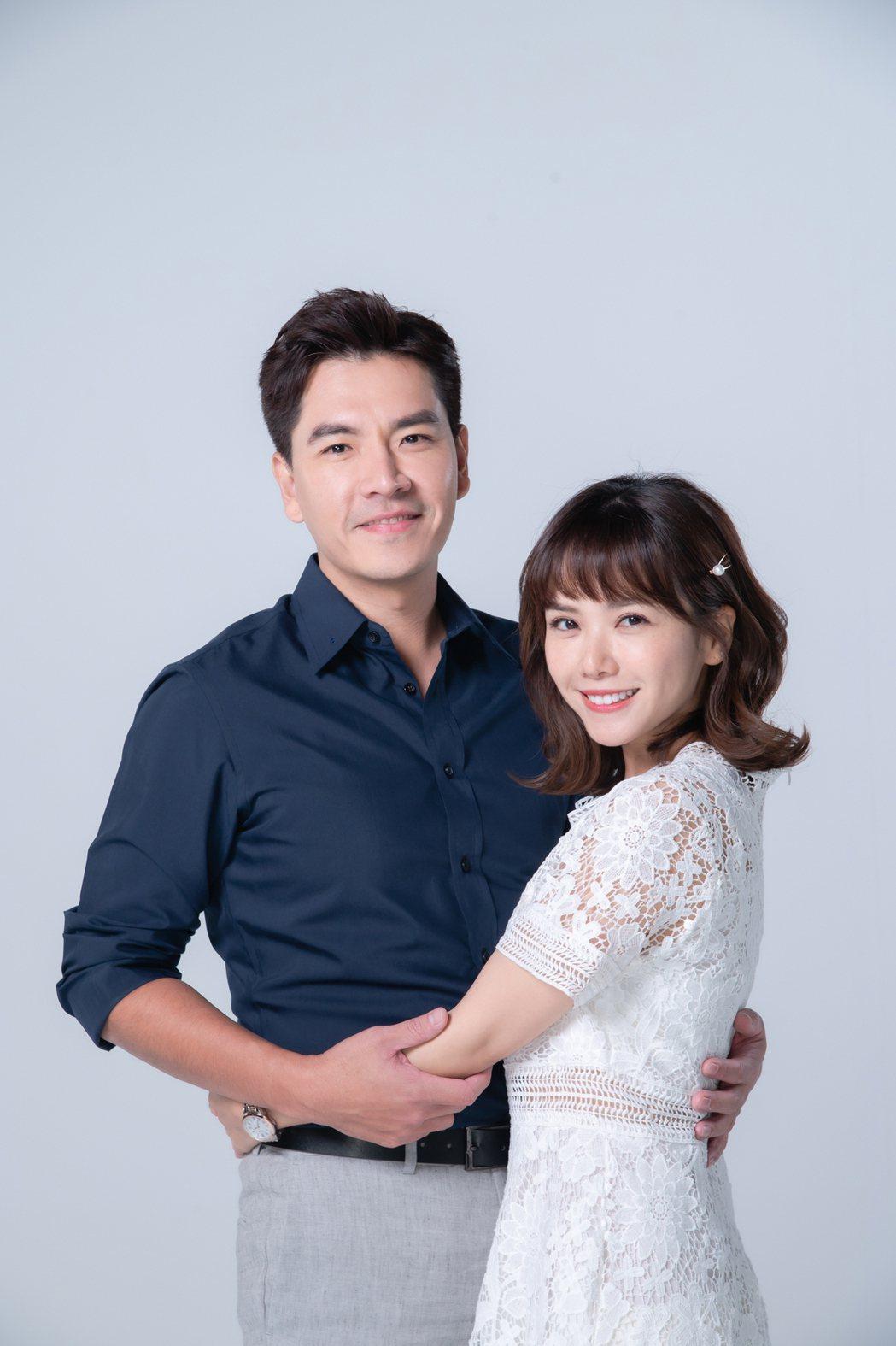 王傳一(左)、方語昕在新戲「我叫梁山伯」中,分飾戀愛經驗零的兩性作家、單親媽。圖...