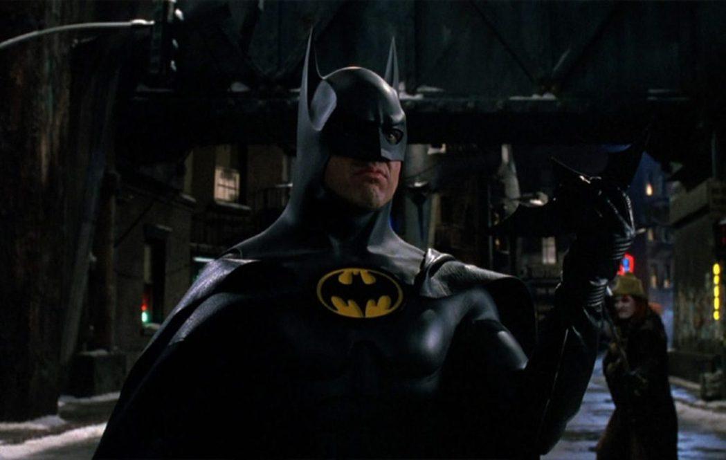 米高基頓是第一位在大銀幕上締造驚人票房佳績的「蝙蝠俠」。圖/摘自YouTube