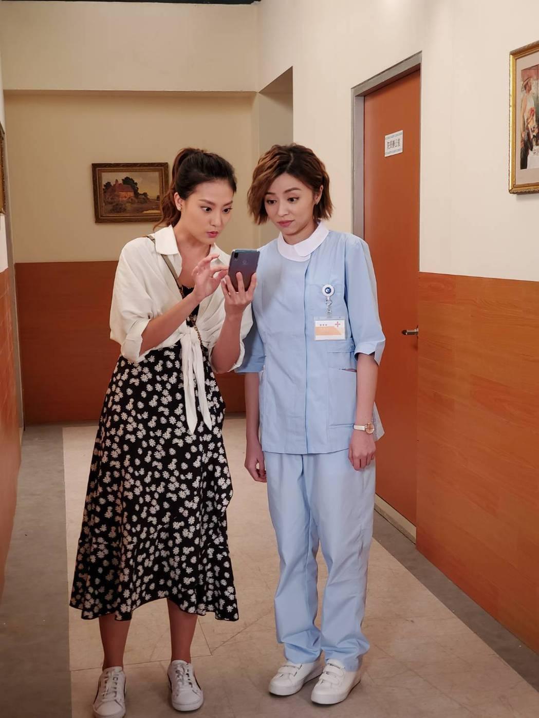 顏曉筠(左)加入8點檔「多情城市」,飾演王瞳的妹妹。圖/民視提供