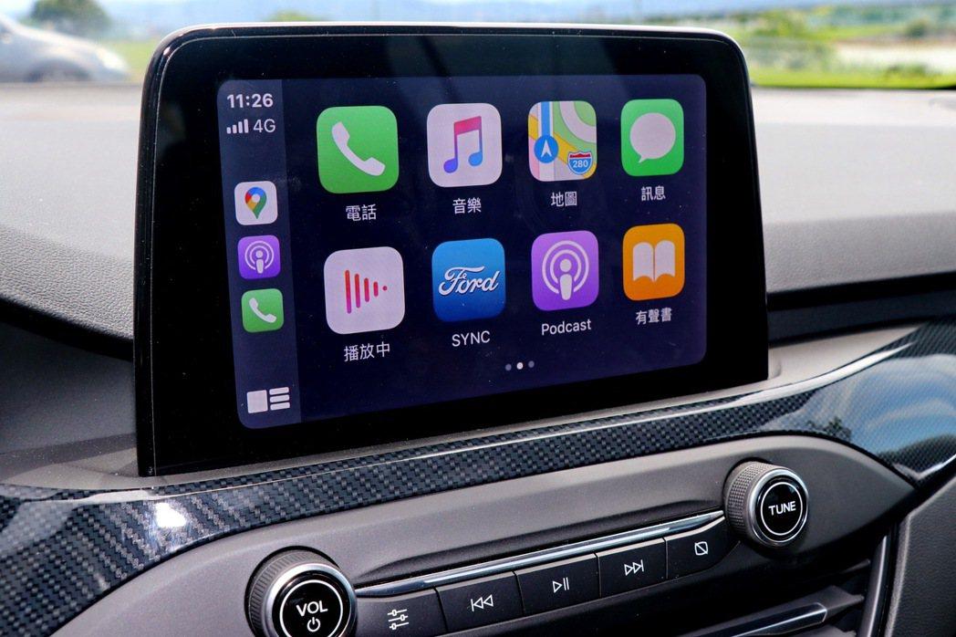 8吋懸浮式全彩LCD觸控螢幕支援Apple CarPlay及Android Au...