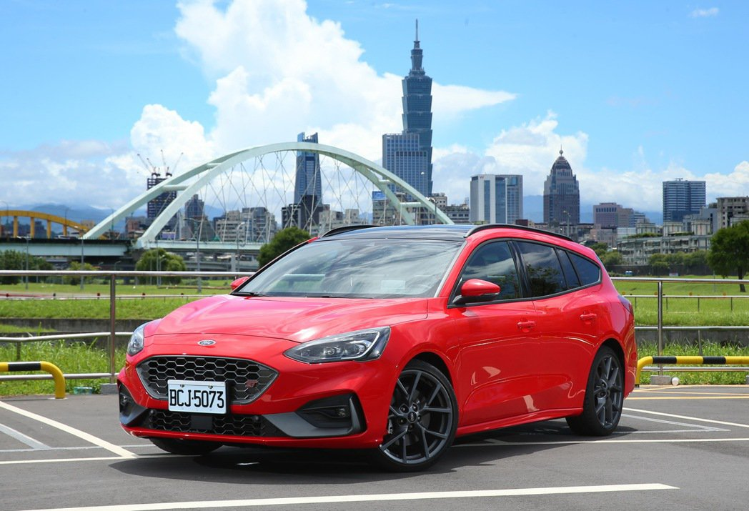 Ford Focus ST Wagon。 記者林澔一/攝影