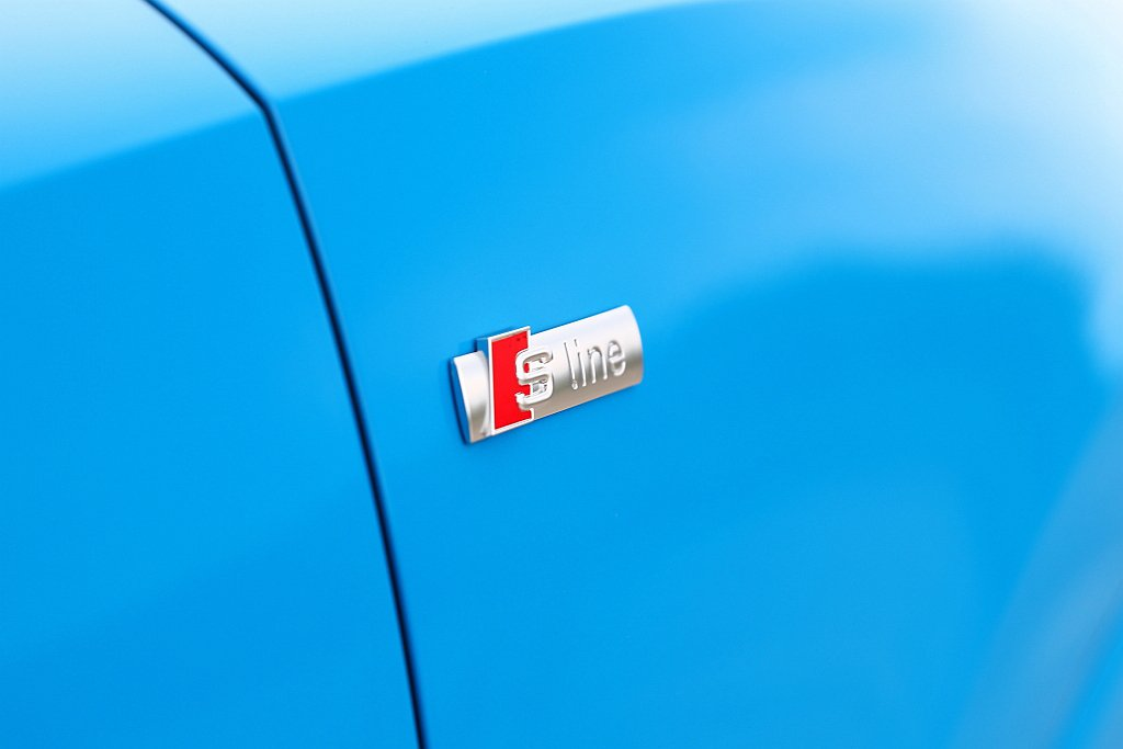 Audi Q3 40 TFSI quattro S line外觀具備專屬「S l...
