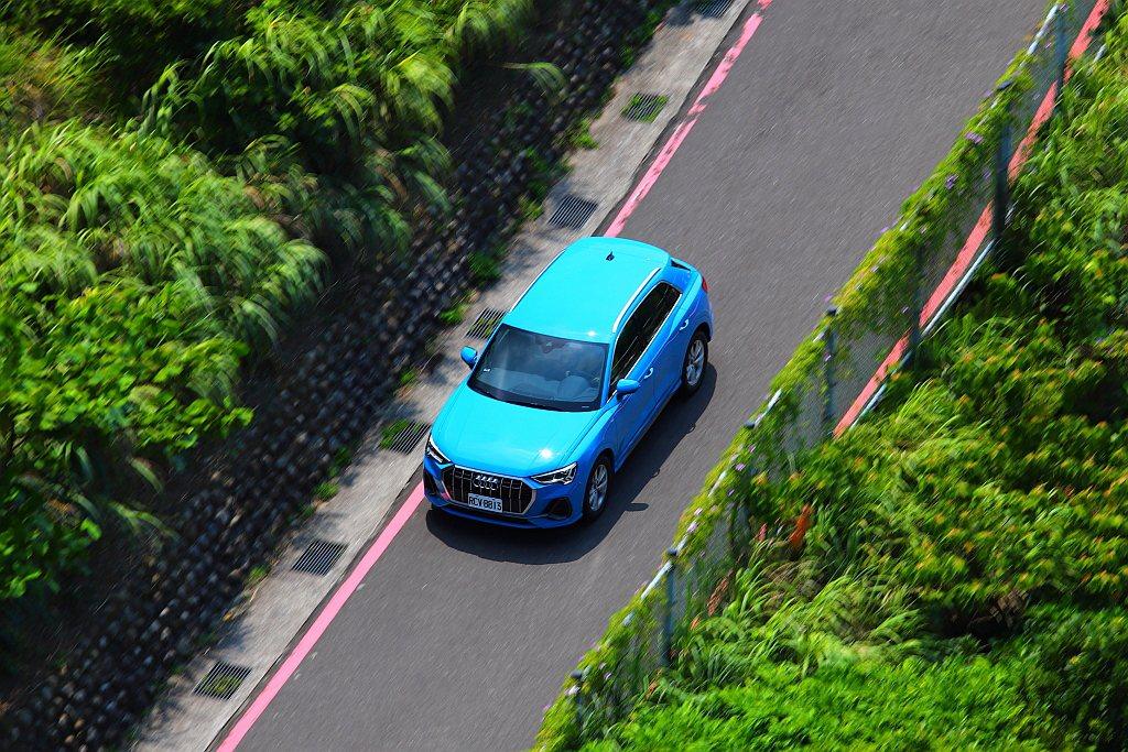 Audi Q3 40 TFSI quattro S line並無配備天窗,雖然可...