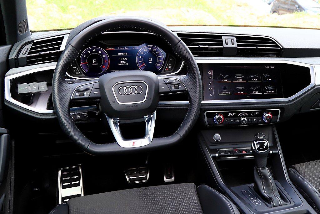 試駕車型選配全數位虛擬駕駛座艙套件,儀表升級為12.3吋Audi全數位虛擬座艙外...