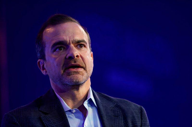 亞馬遜全球消費者業務執行長威爾克(Jeff Wilke)昨天宣布將在明年初退休,將由全球事業資深副總裁克拉克負責接手他的業務。 路透社