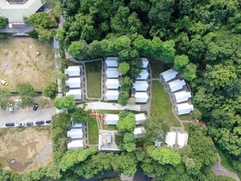 基隆童軍暨生態遊學中心啟用,拉波波村露營住宿區很美。圖/基隆市政府提供