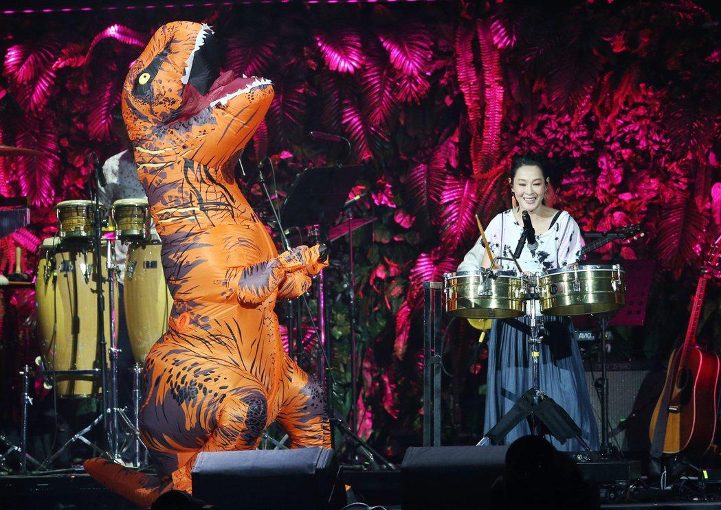 劉若英登超犀利趴與犀利龍一起合作。記者曾原信/攝影