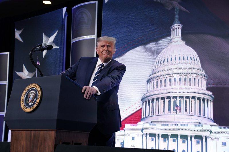 美國總統川普在23日(周日)播出的福斯新聞訪談中說,美國經濟可能與中國大陸經濟脫鉤。美聯社
