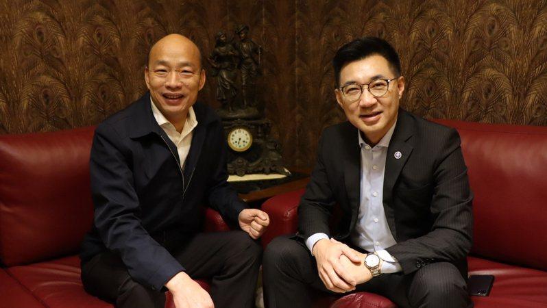 國民黨主席江啟臣與高雄市前市長韓國瑜。圖/國民黨中央提供