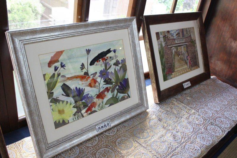 吳佩宜的押花作品,以花材為基礎,黏貼組合呈現故事畫面。 圖/林敬家 攝影