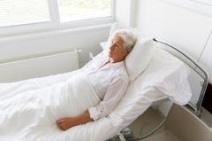新冠肺炎康復竟面臨數百萬醫藥費 她看帳單崩潰:該如何付清