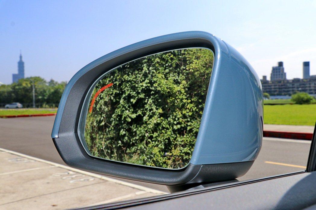 BLIS 駕駛視覺盲點系統。 記者陳威任/攝影