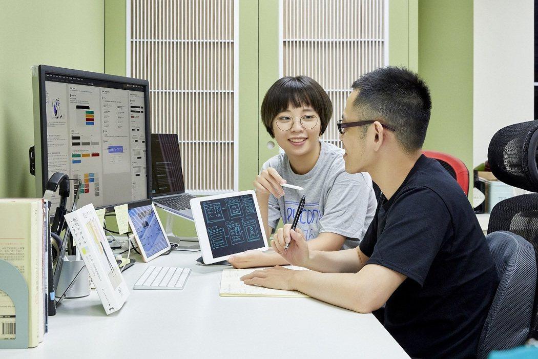 iCHEF 重視對專業技能的熱情和投入、與團隊共同追求進步。 iCHEF /提供