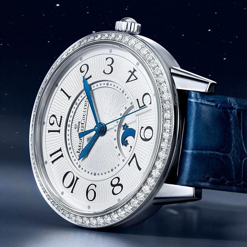 積家,約會系列,日夜顯示腕表中型款,精鋼表殼鑲嵌鑽石,34毫米,自動上鏈機芯,時間顯示、日夜顯示,約42萬8,000元。圖/翻攝自ig。