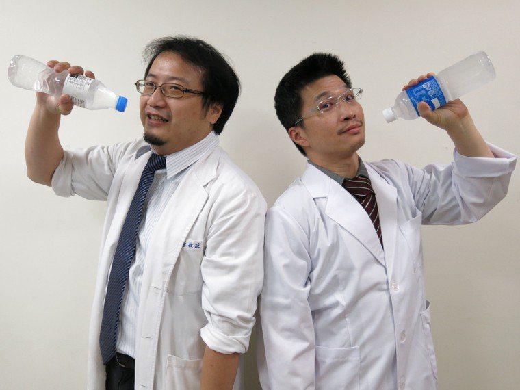 衛福部豐原醫院醫師提醒,目前仍天熱,提防熱衰竭和中暑,要補充水和電解質。記者游振...